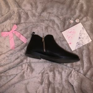 GAP Shoes - Gap Black Ankle Bootie Zipper Sparkle Black Sole 4